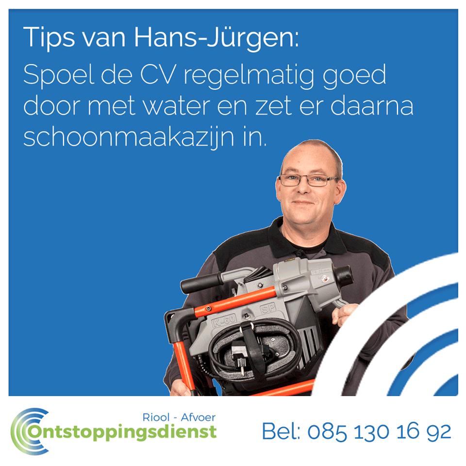 Tip om een verstopping in de ketel afvoer te voorkomen. Spoel de afvoer regelmatig door met water en zet er daarna schoonmaak azijn in.